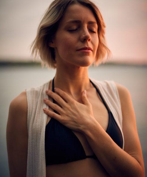 La meditación en pareja, otro ejercicio que trabajo en mis sesiones.